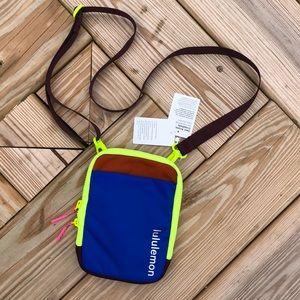 NWT Lululemon Easy Access Crossbody Bag